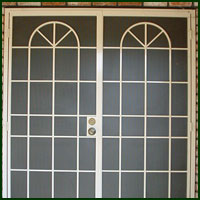 Galt, Iron Doors
